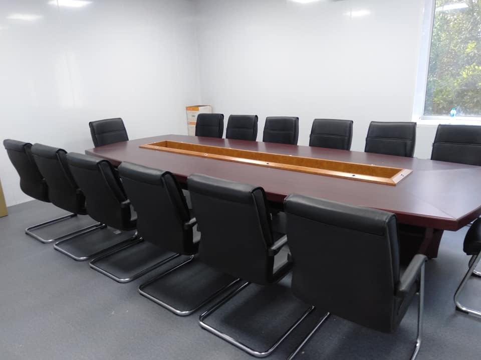 cách chọn mua bàn họp văn phòng 10-12 người