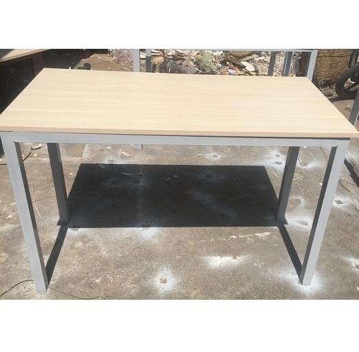 mẫu bàn làm việc 1m2 cũ chân sắt giá rẻ