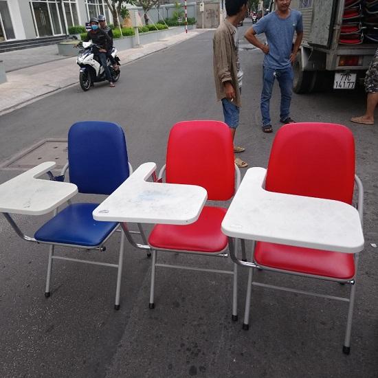 ghế gấp xếp liền bàn cũ giá rẻ